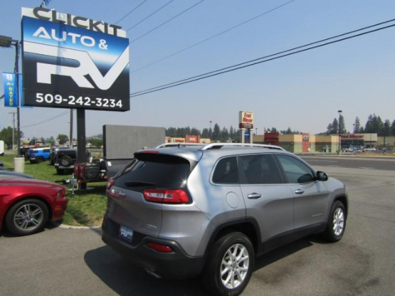Pre-Owned 2016 Jeep Cherokee Latitude awd suv