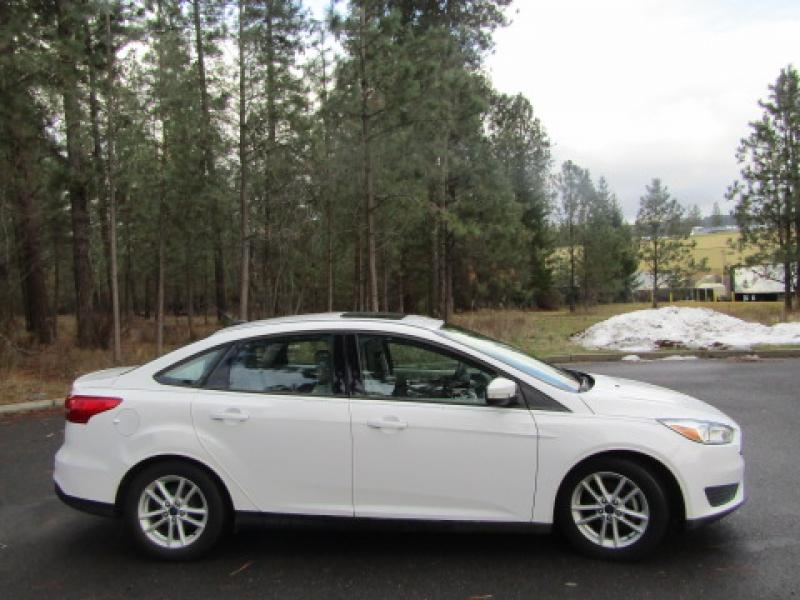 Pre-Owned 2015 Ford Focus SE 2.0L Front Wheel Drive Sedan