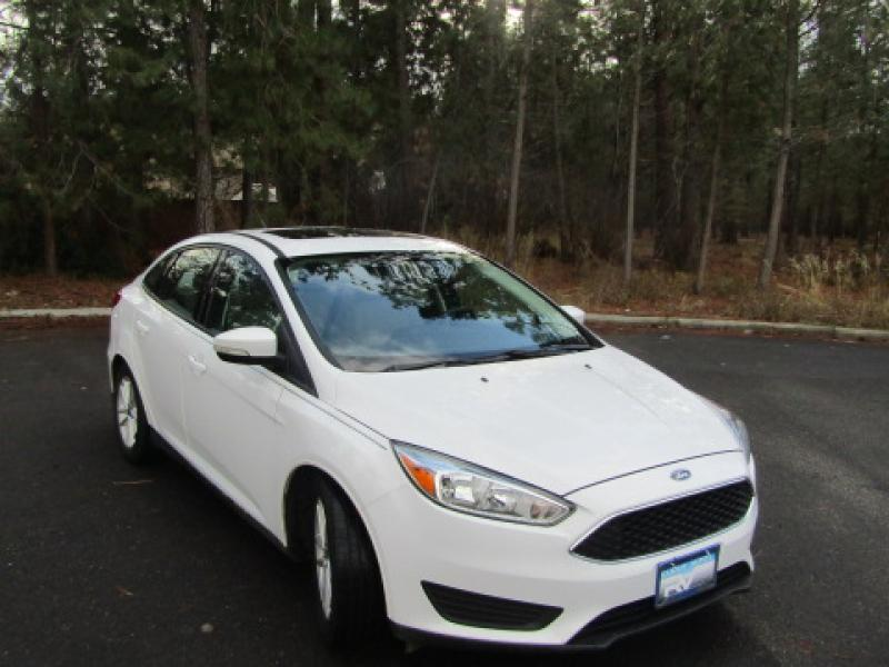 Pre-Owned 2015 Ford Focus SE FLEX FUEL