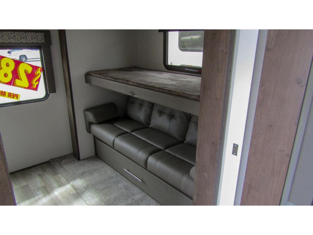New 2019 FOREST RIVER SALEM 322BH 2 Slides Sleeps 9 Travel Trailer