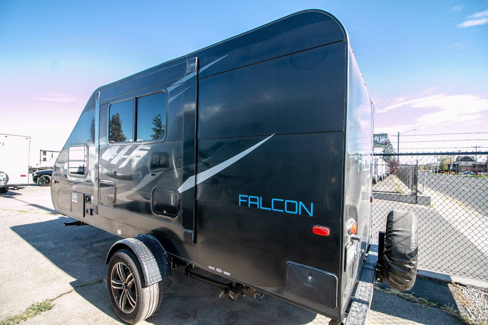 Pre-Owned 2018 Travel Lite FALCON F21RB