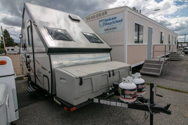 Pre-Owned 2016 COACHMEN CLIPPER HARDSIDE C12RBSTHW