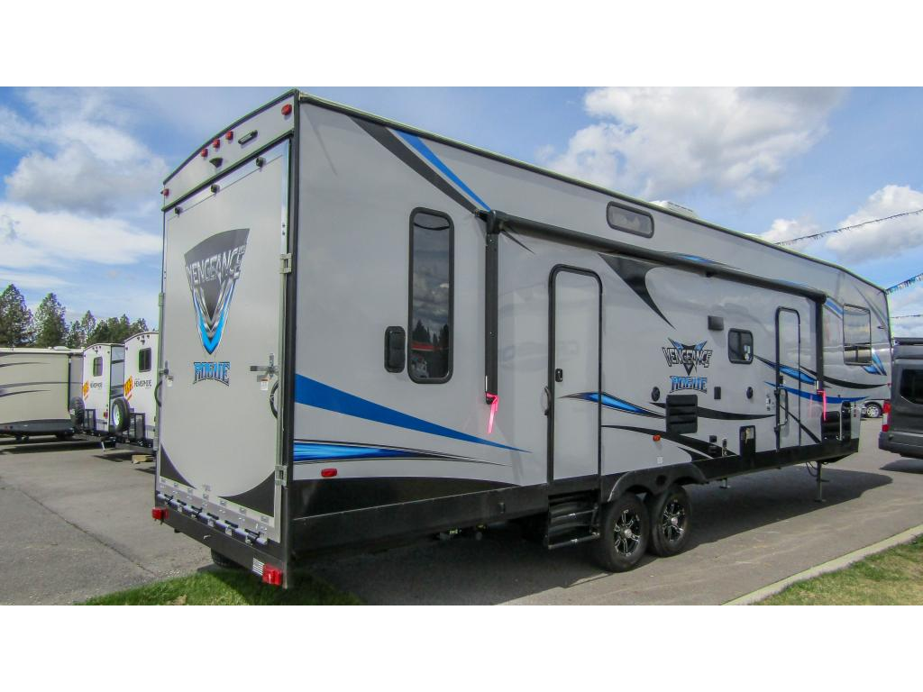 New 2019 FOREST RIVER VENGEANCE ROGUE 311A13 Sleeps 10 w/1 Slide Toy Hauler